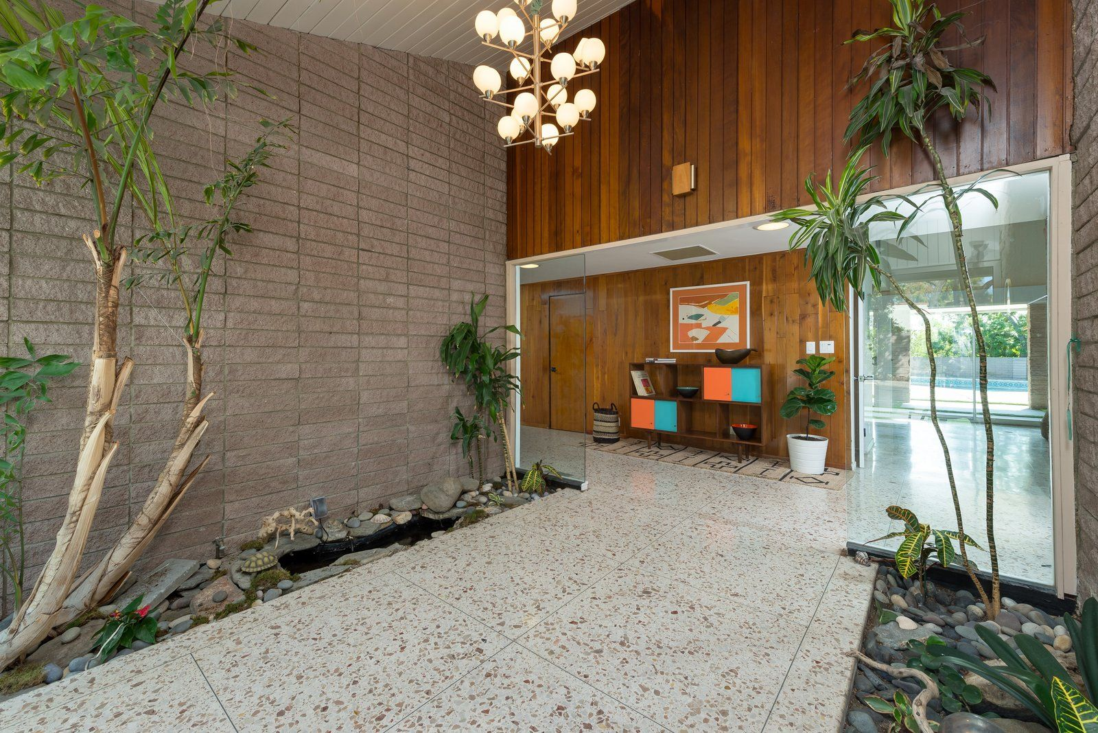 Photo 3 Of 11 In Step Back In Time In This Midcentury Now