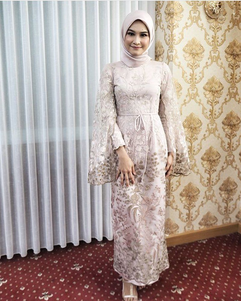 Inspired by @anafitris  Dress brokat muslim, Soiree dress, Hijab
