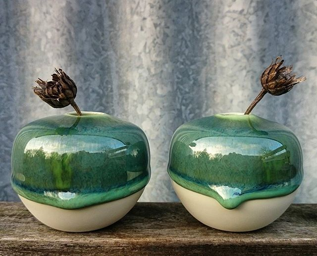 #vases #pottery #ceramics #ceramic #keramik #keramika #stoneware #mini #small #vase #interiør #interior #design #homedeco #homedecor #handmade #handmadewithlove #danishdesign #danskdesign #nordichome #creative #clay #glaze #green #january #skovkeramik