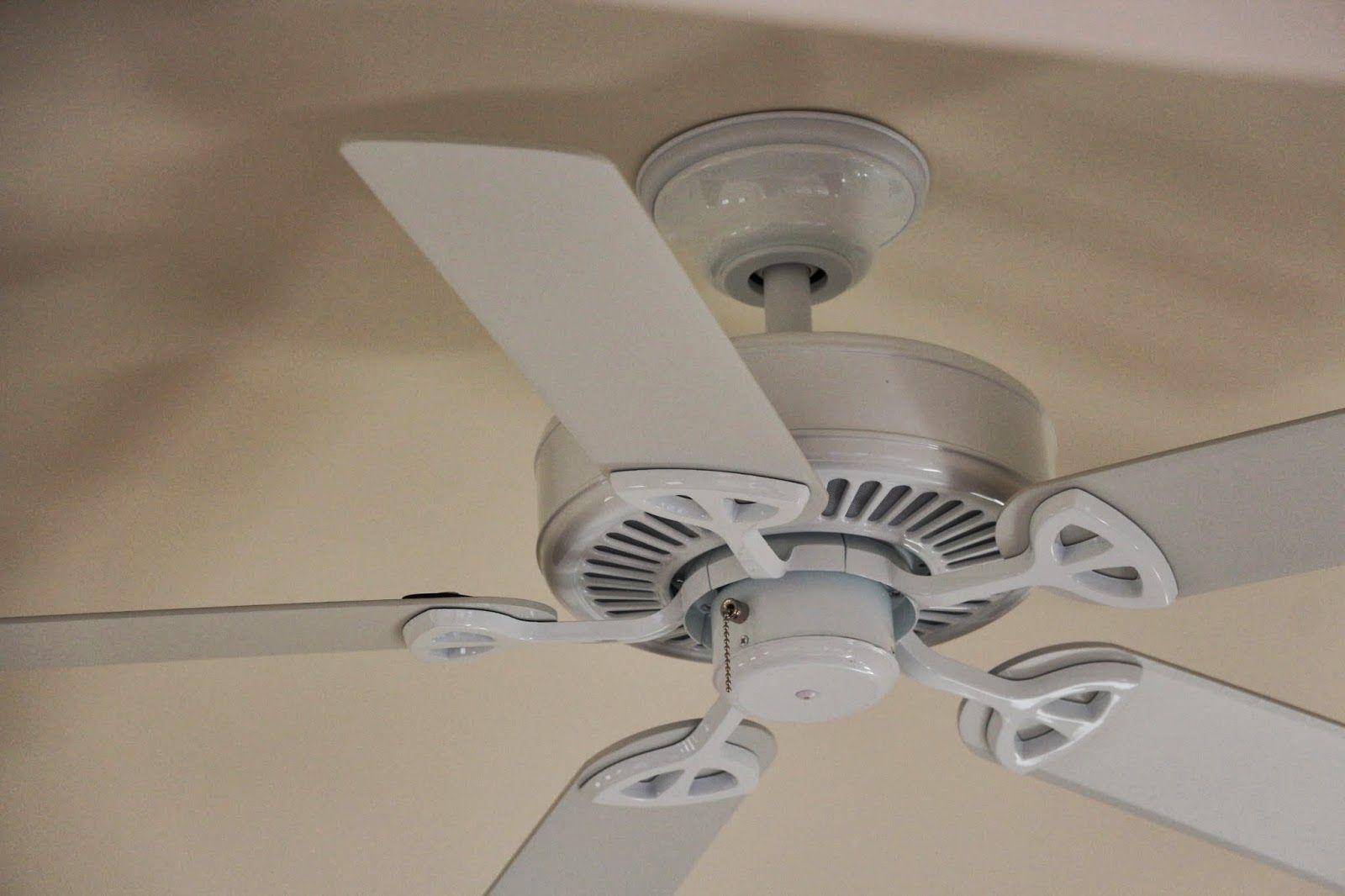 Deckenventilator Badezimmer ~ Cream colored ceiling fans http: ladysro.info pinterest