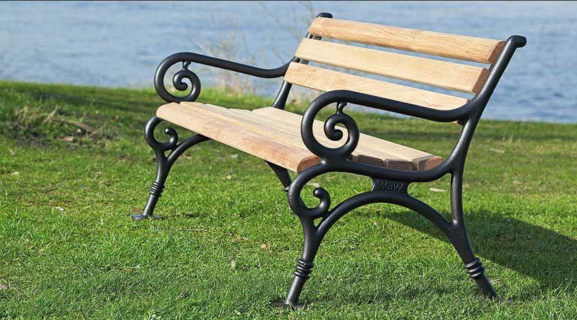 Gartenbank Gusseisen Und Holz Holz Augsburg Handgemachte Stilvolle Gartenbank Gusseisen Und Holz Outdoor Decor Outdoor Furniture Decor