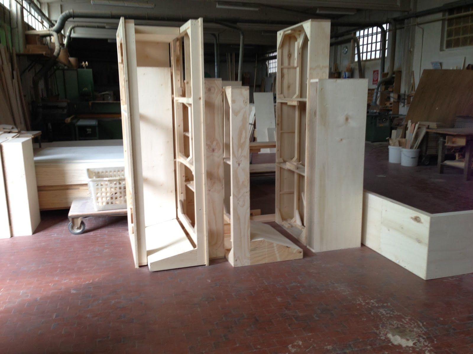 Divani artigianali strutture in legno massello costruite for Divani brianza design