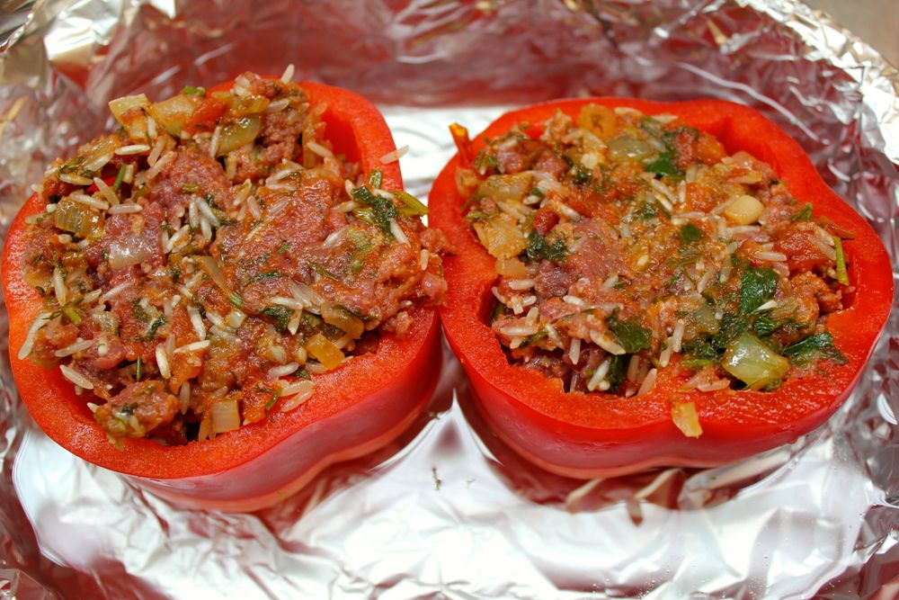 Piperies Gemistes - Stuffed Peppers | The Greek Glutton