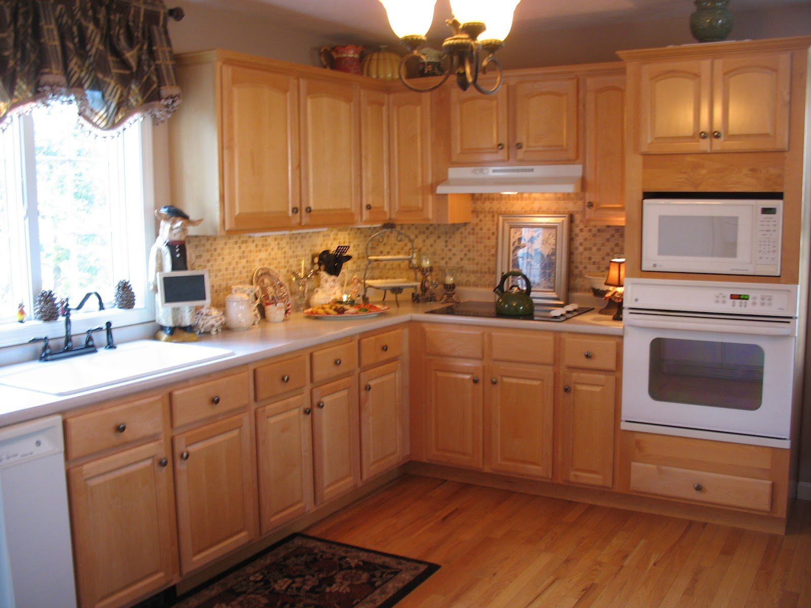 kitchen colors with honey oak cabinets  homepimpawebsite