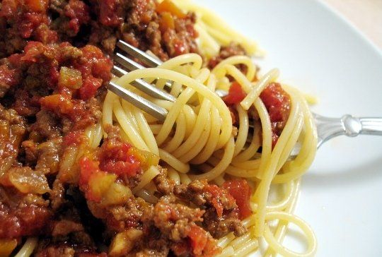how to say spaghetti bolognese in italian