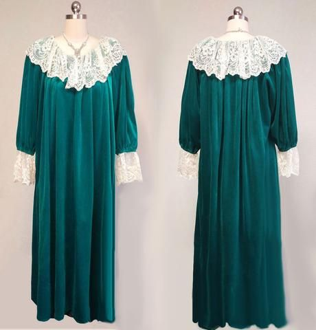 VINTAGE VICTORIAN LOOK RUTH NORMAN VELOUR ZIP UP DRESSING GOWN ROBE ...