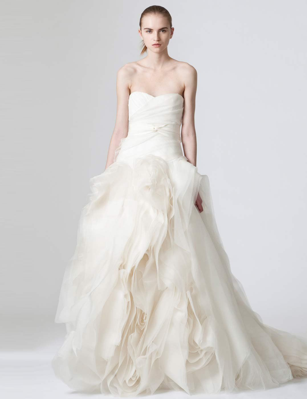 Fancy Vera Wang Find a cut price designer wedding gown with ELLE us guide to the