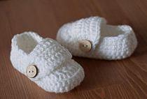 Buciki Z Welny Cuda Dla Dzieci Robione Na Szydelku I Na Stylowi Pl In 2021 Baby Shoes Kids Slippers