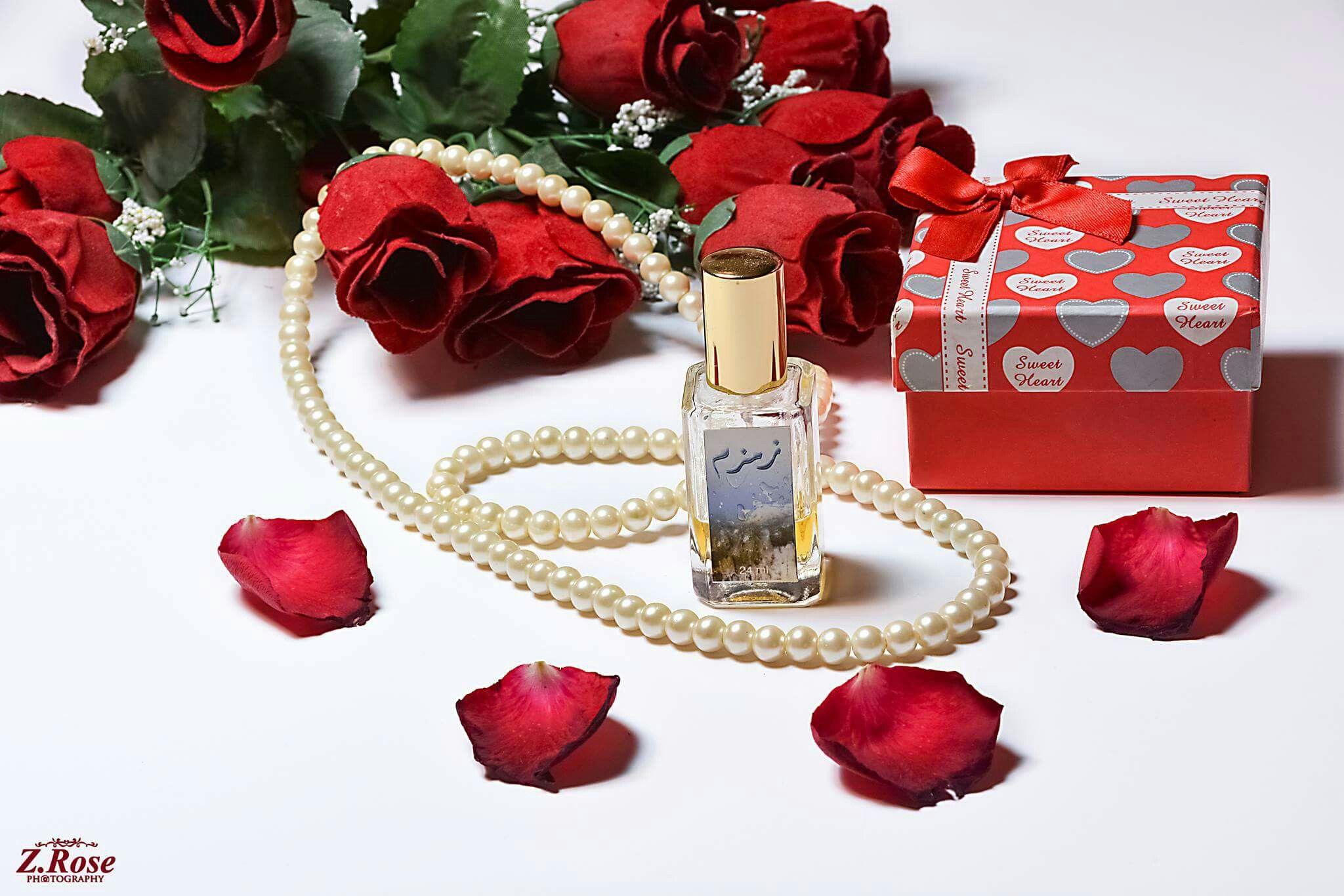 أيا أمل القلب خذني إليك وأصلح لي القلب كي يرعوي وانت القدير على كل شيء اذا شئت تفعل ما ترتضي يا اللـه جمعــة مبــاركـة C Rose P Gift Wrapping Gifts Wrap