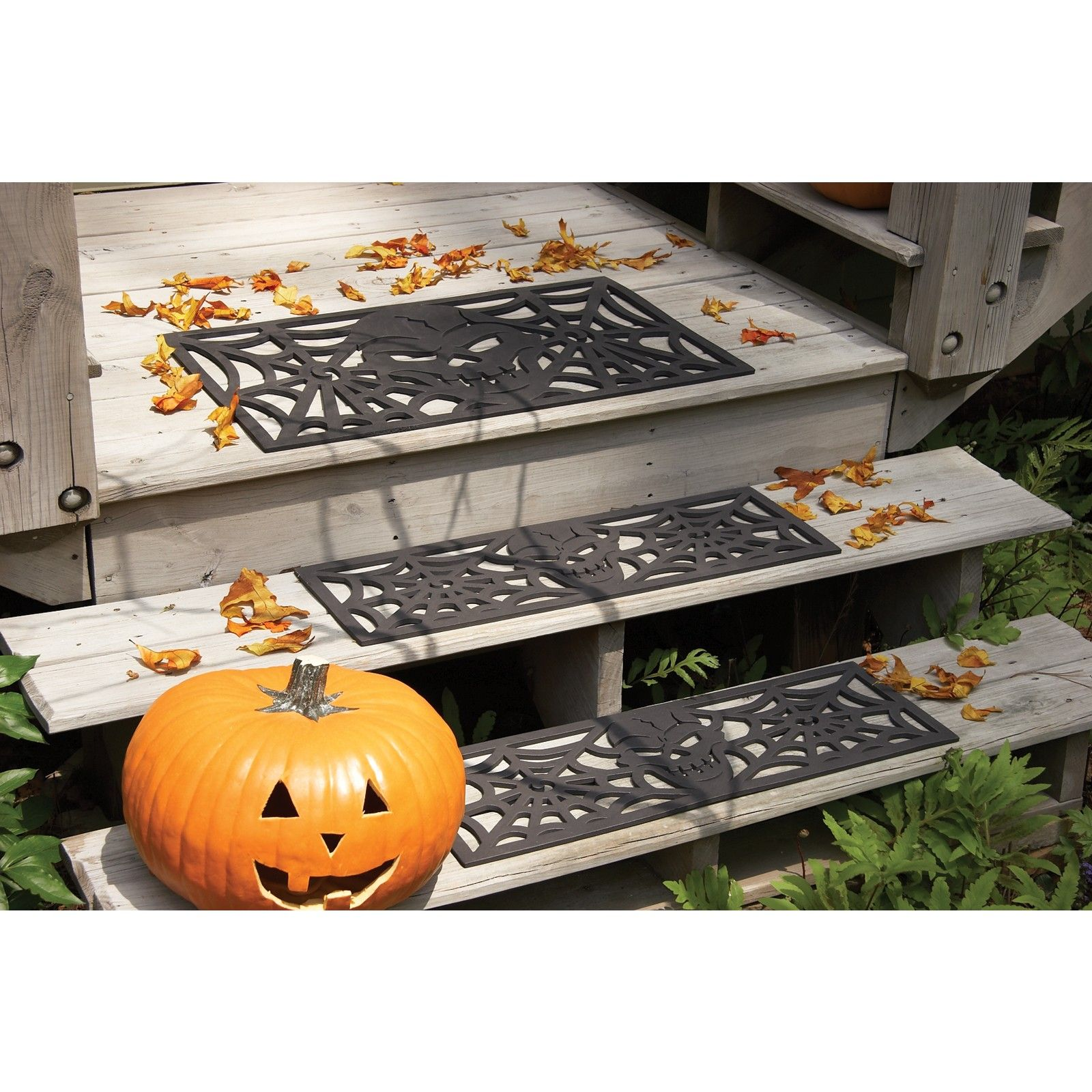 cute idea for the steps, safe yet scary! Halloween Pinterest - Scary Halloween Yard Decorating Ideas