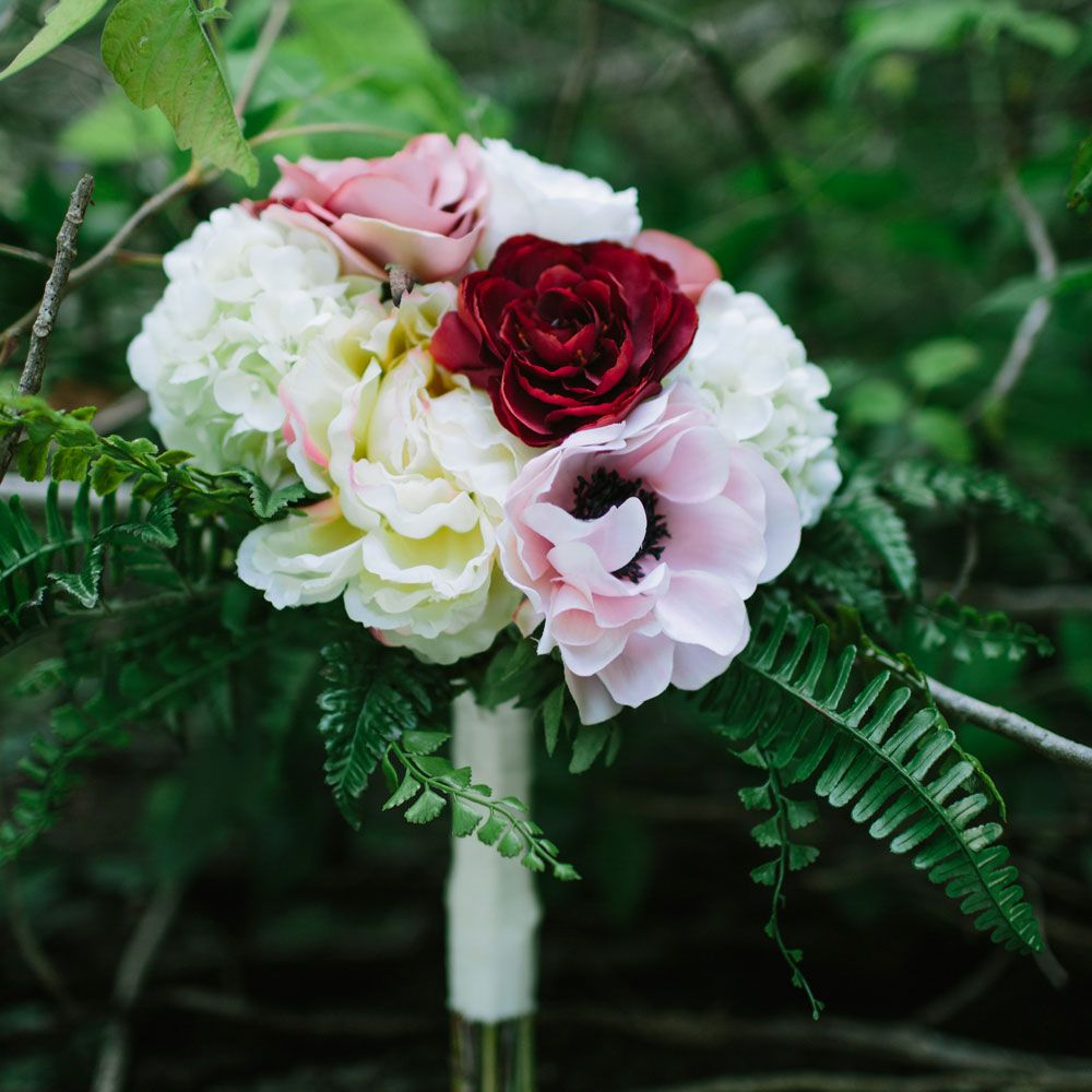 23 Textural Wedding Bouquets With Feathers 23 Textural Wedding Bouquets With Feathers new foto