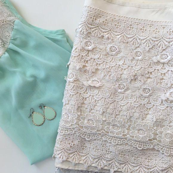 f5020943ff3c Sans Souci   Cream Crochet Mini Skirt   Size: M Sans Souci   Cream Crochet