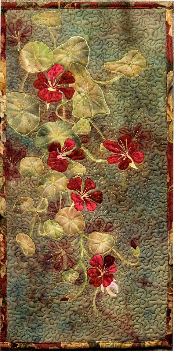 Hand bemalte Gewebe Kunst Quilt Wandbehang  Kapuzinerkresse #paintfabric