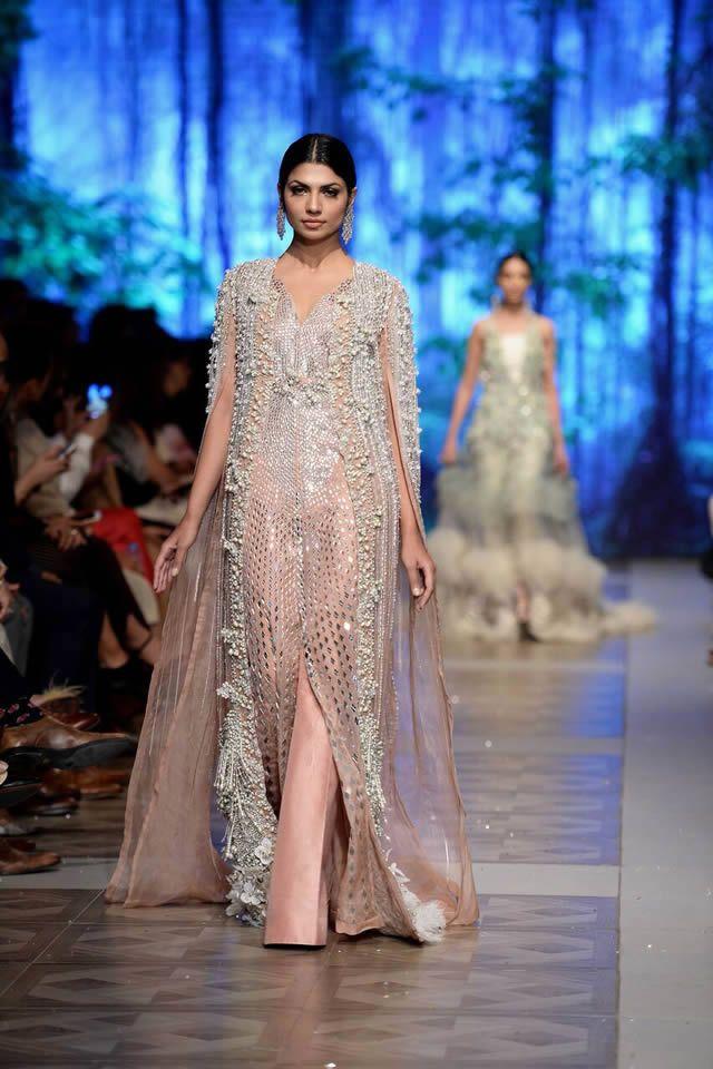 Sana Safinaz Bridal Collection At Loreal Pairs Week 2017 Pk Vogue Dresses