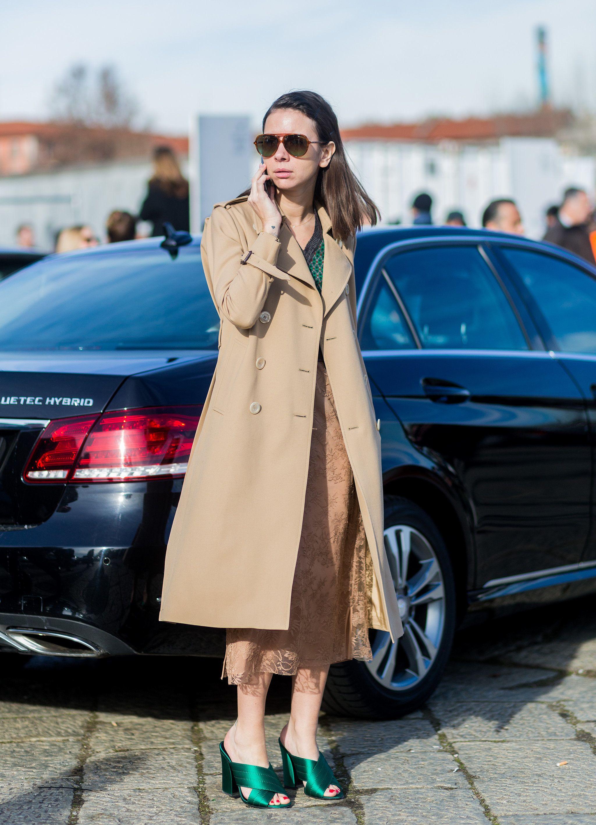 Natasha Goldenberg mit Gucci Sandalen bei der Milan Fashion Week