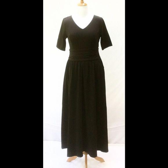 "New Eshakti Black Knit Maxi Dress L 14 New Eshakti black knit maxi dress. Size 14  Measured flat: underarm to underarm: 36"" Waist: 33"" Length: 56"" Eshakti size guide for bust 14:40"" Sleeve: 12""  Princess seamed bodice, ruched gathered waist, side seam pockets, hidden side zipper. Cotton/spandex, woven jersey knit, light stretch. Machine wash. eshakti Dresses Maxi"