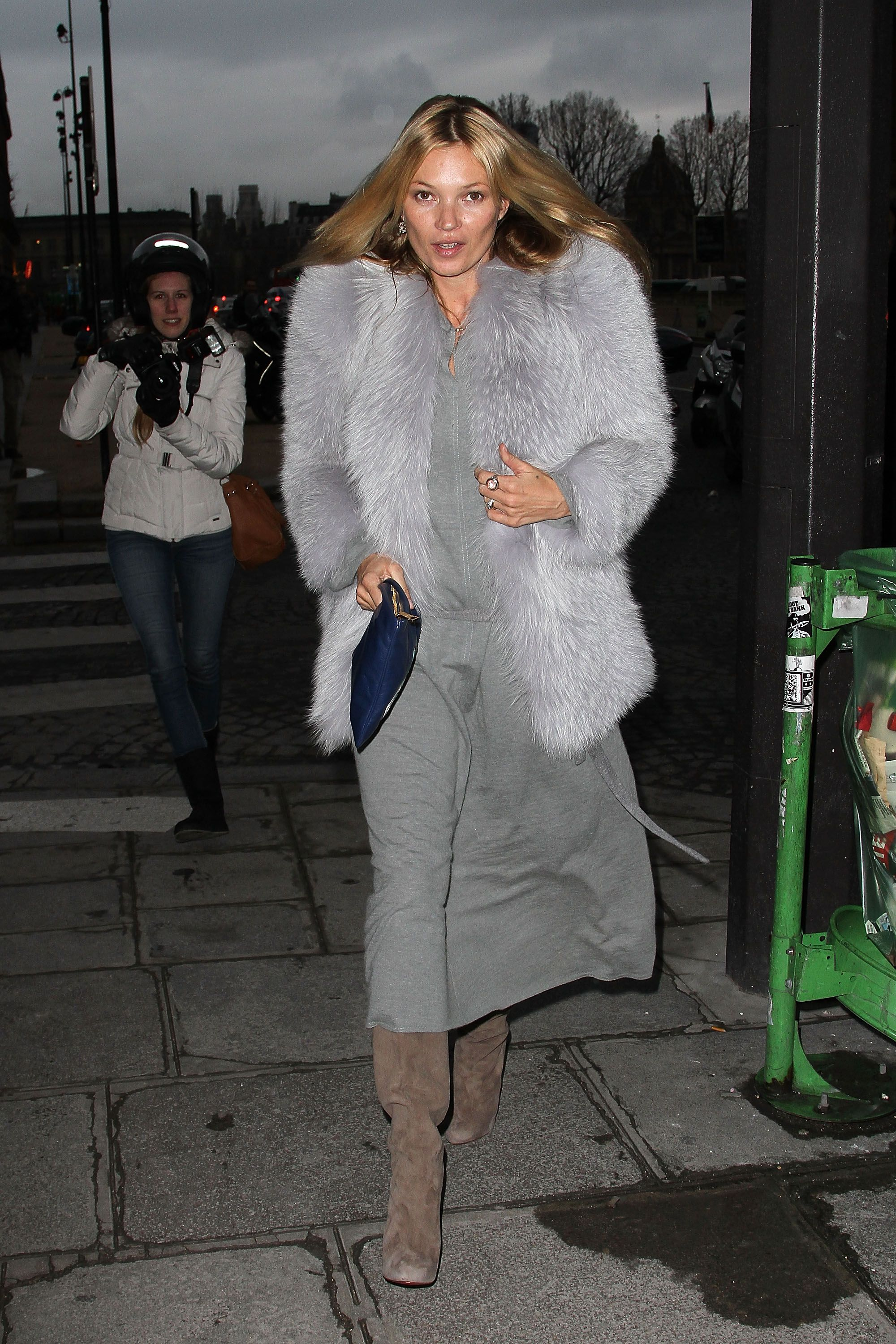 The queen of boho herself, Kate Moss, shows us fall fashion at its finest.