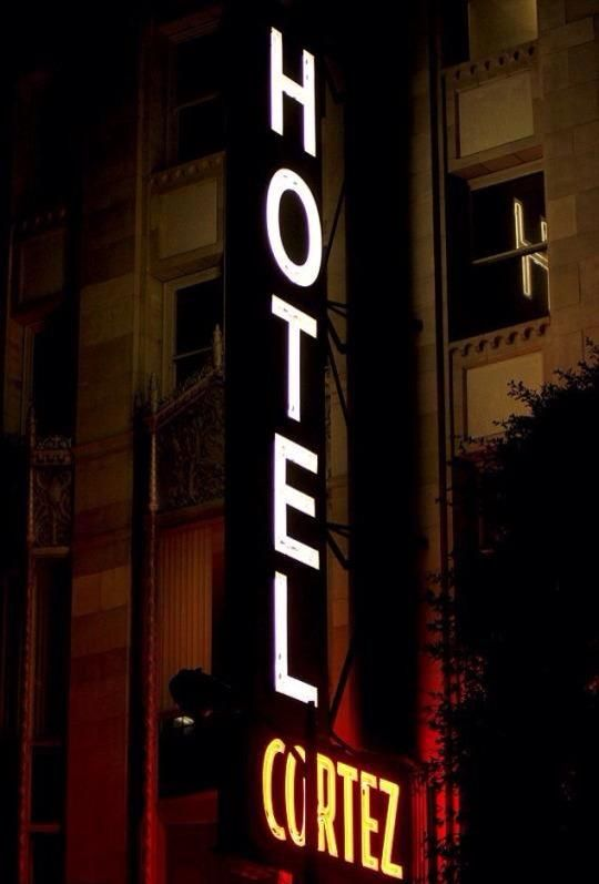 Hotel cortez ahs in 2019 american horror story hotel for Ahs hotel decor