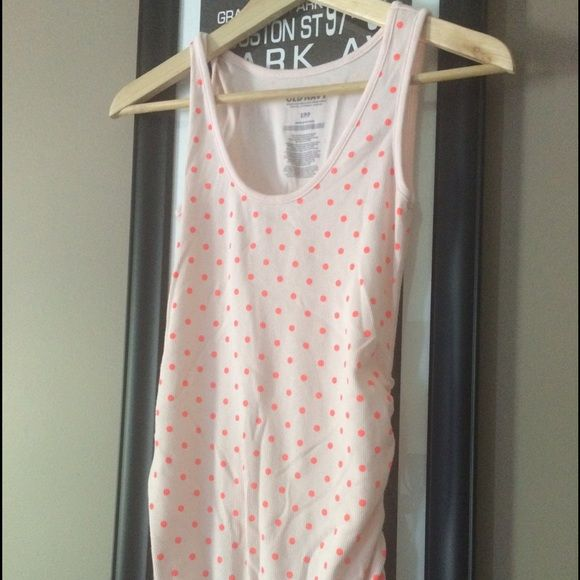 Old Navy Maternity Tank Great maternity tank. Light pink with darker pink polka dots. Perfect for summer or layering with a cardigan. Old Navy Tops Tank Tops