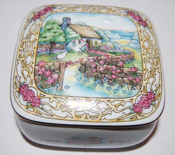 Vintage Valentine Serenade Music Box~Fine Porcelin.Star Dust. Limited Edition. Original Art by R. Lewis. 1993 Heritage House
