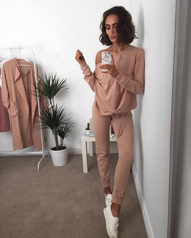 Off the shoulder tracksuit, I'm all in.   If you're looking for it it's called: 'Asos lounge deep waistband jogger' 'Asos lounge off the shoulder knotted sweat'