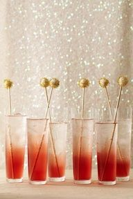 Ombre Cocktails. Maybe not alcohol, perhaps ombré smoothies, love the look and the sparkly background