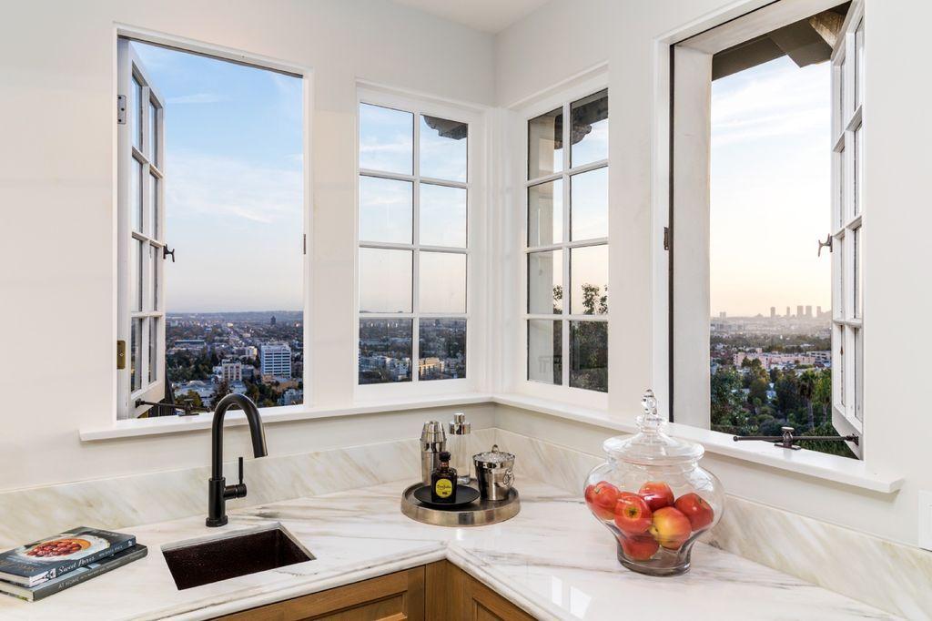 7100 La Presa Dr Los Angeles Ca 90068 Mls 20619720 Zillow Los Angeles Real Estate Luxury Homes Luxury Real Estate