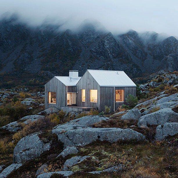 Small And Cozy Kitchen Ideias De Fim De Semana: Cabin In The Mist #cabinlife #wildernessculture