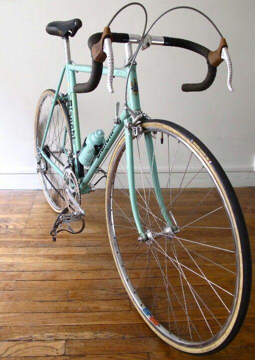 Pin By Hernandi Kustandyo On All About Bike Classic Road Bike Road Bike Vintage Road Bike