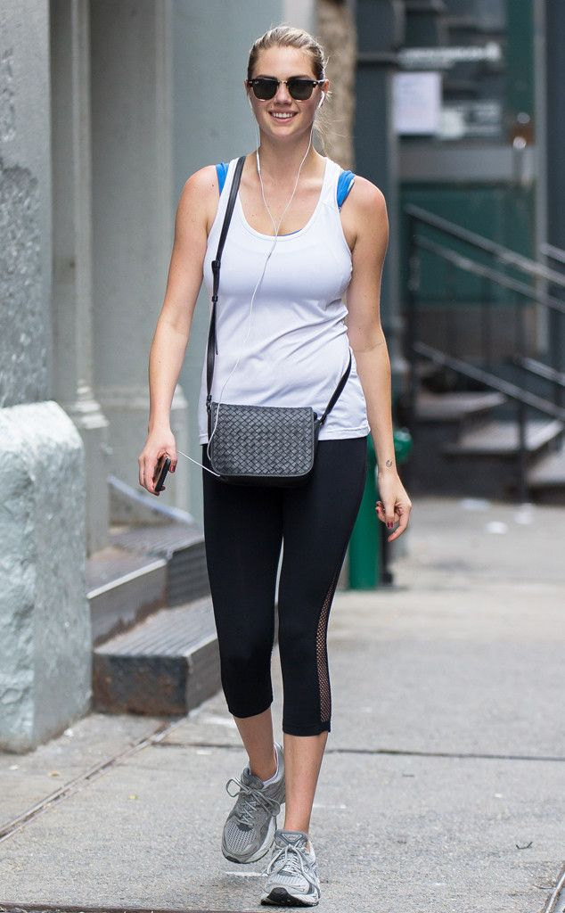 Kate Upton from The Big Picture: Today's Hot Pics  Gym gal! The model heads for a workout in New York City.