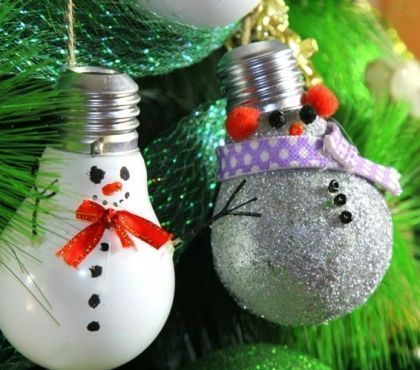 Bricolage de Noël en bois : 20 idées de bricolage en bâtons de glace #decorationnoelfaitmainenfant Boule de Noël à suspendre fabriquée à partir d'une ampoule usagée : idées et tutoriels faciles à réaliser #déconoelfaitmain Bricolage de Noël en bois : 20 idées de bricolage en bâtons de glace #decorationnoelfaitmainenfant Boule de Noël à suspendre fabriquée à partir d'une ampoule usagée : idées et tutoriels faciles à réaliser #tannenbaumschmücken Bricolage de Noël en bois #decorationnoelfaitmainenfant