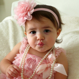 I would love to make a lil outfit like this for mia. Pink Chiffon and Lace Baby Headband