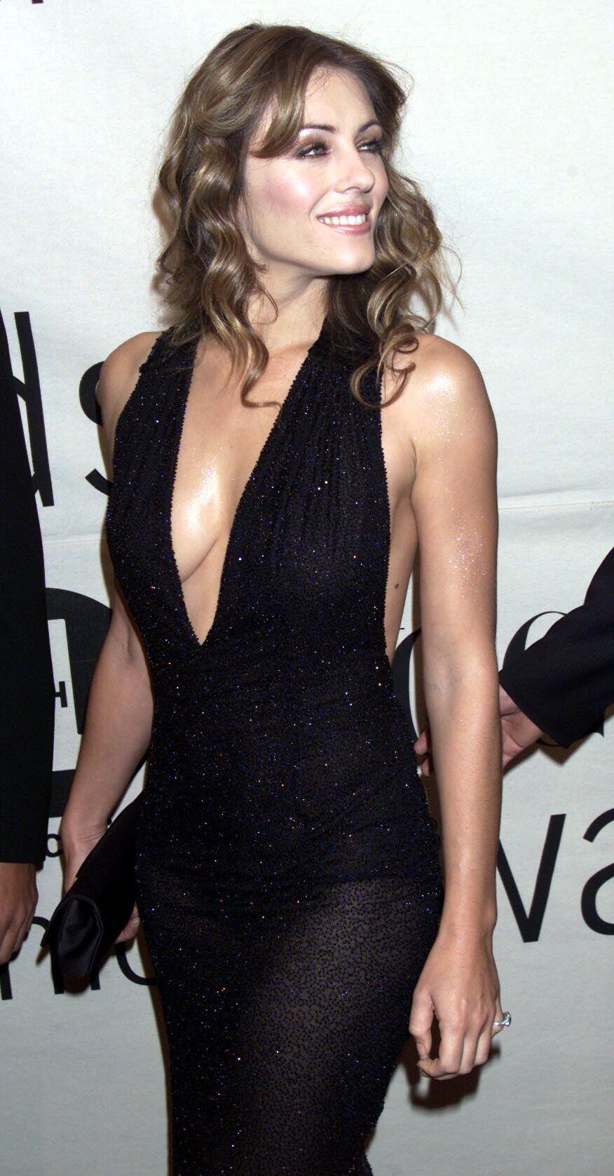 Liz hurley versace dress - Elizabeth Hurley Hot On Actressbrasize Com Http Actressbrasize Com 2014