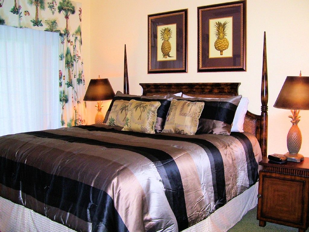 Master bedroom king bed Master Bedroom Suite King Size Bed Looks And Feels So Comfortable