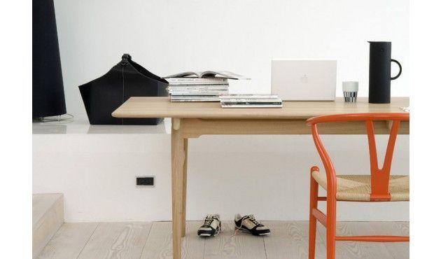 Design Stoel Klassieker : De stijlvolle klassieker ontworpen door de ontwerper hans wegner