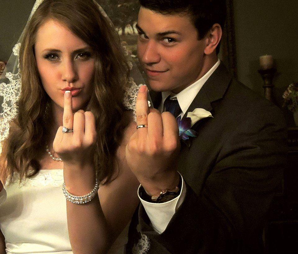would be a cute wedding photo idea