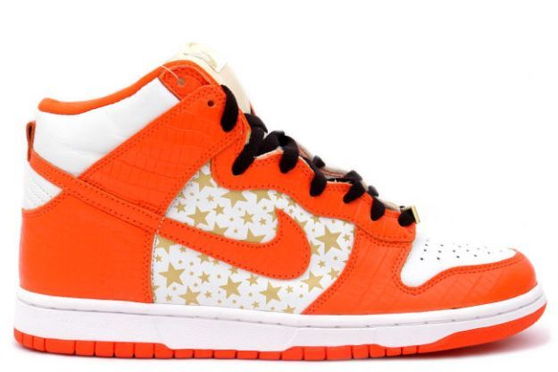 969fe2ebc2c The 10 Best Supreme Sneaker Collaborations of All Time4. Nike Dunk ...