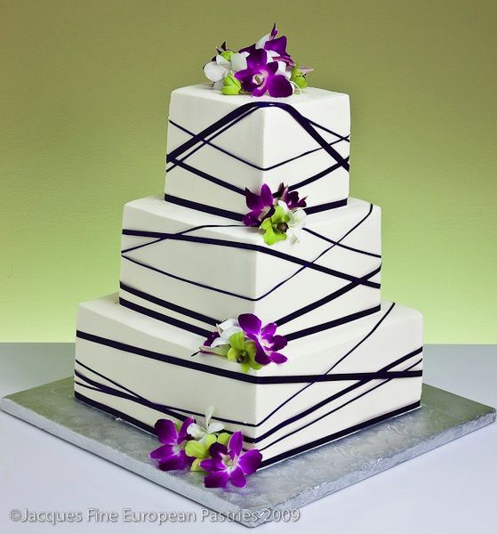 Square wedding cake pictures with ribbon
