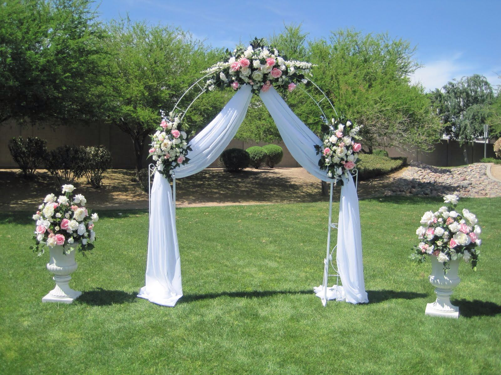Resultado de imagen para arco de matrimonio bodas - Arcos de madera para jardin ...