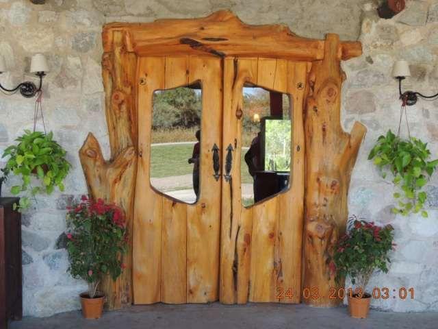 Realizo puertas rusticas en cipres estilo bariloche for Puertas para casas rusticas