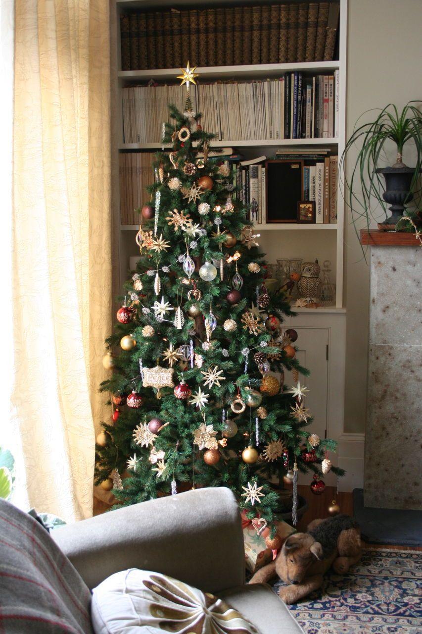 30 Beautiful Christmas Tree Ideas Indoor Christmas Decorations Outdoor Christmas Decorations Beautiful Christmas Trees