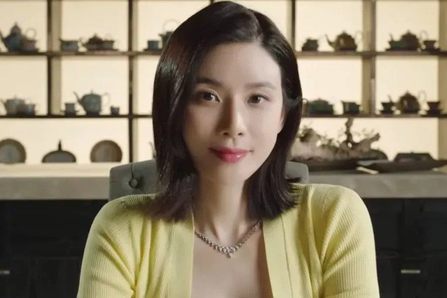 """Watch: Lee Bo Young Shares Insight Into Her Character + Poses A Question In Teaser For Upcoming Drama """"Mine"""""""