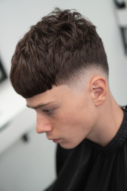 Modnaya Muzhskaya Strizhka Fejd Krop 2020 Short Men Haircut Crop V 2020 G Muzhskie Strizhki Modnye Muzhskie Strizhki Barbershop