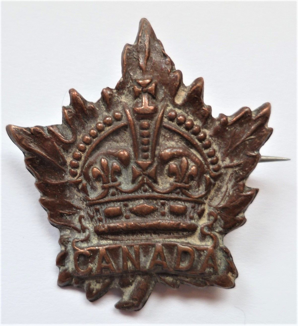 Canadian WW1 General Service Collar Badge Commonwealth