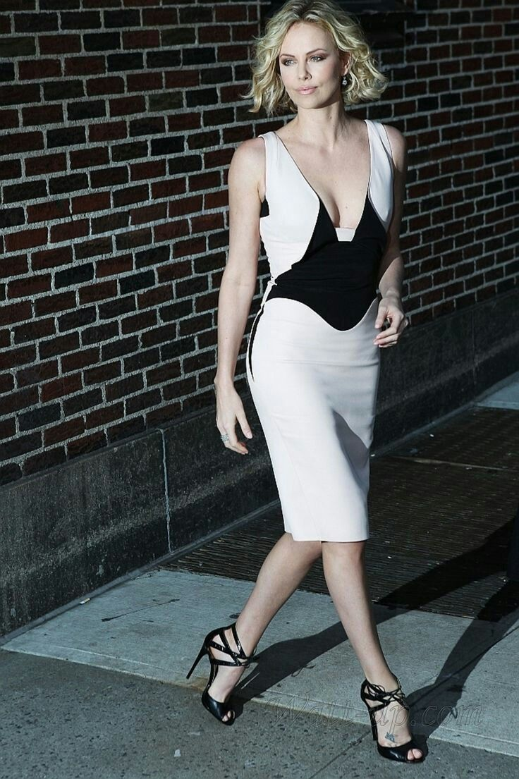 Pin by Rowstiel McReedus on Charlize Theron | Charlize ...