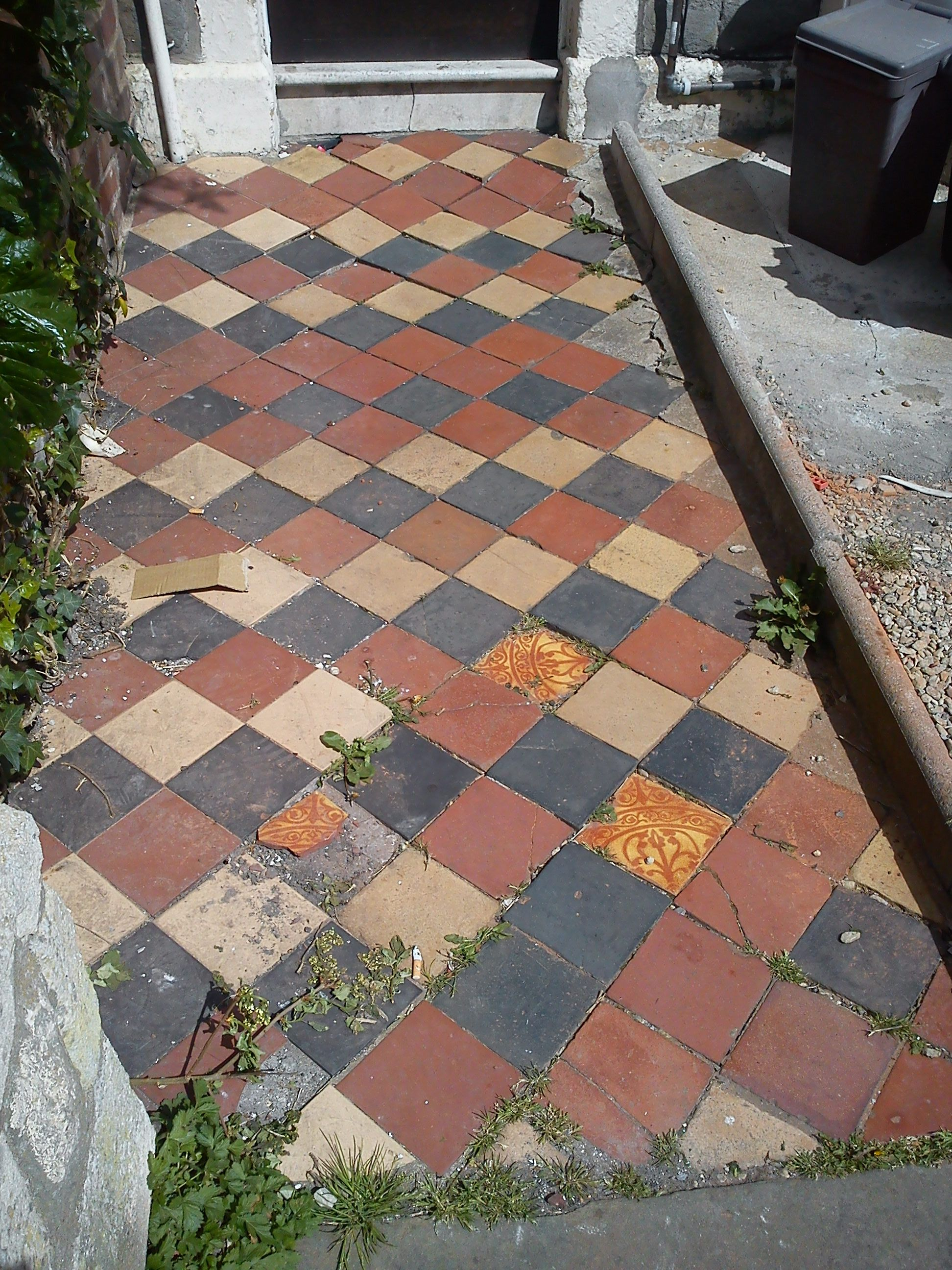 Traditional diamond quarry tiles in black red and yellow love traditional diamond quarry tiles in black red and yellow love the mismatched tiles dailygadgetfo Choice Image