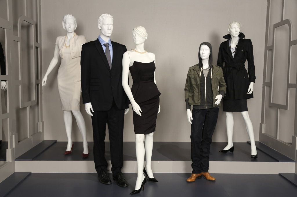Fidm 7th Annual Outstanding Art Of Television Costume Design Exhibit House Of Cards Costume Designer Tom Broecker Tyranny Of St Costume Design Claire Underwood Style Costumes