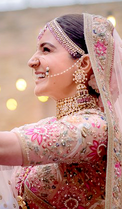 8ae2139ce063 Anushka Sharma on Her wedding day | Plan your wedding in 2019 ...