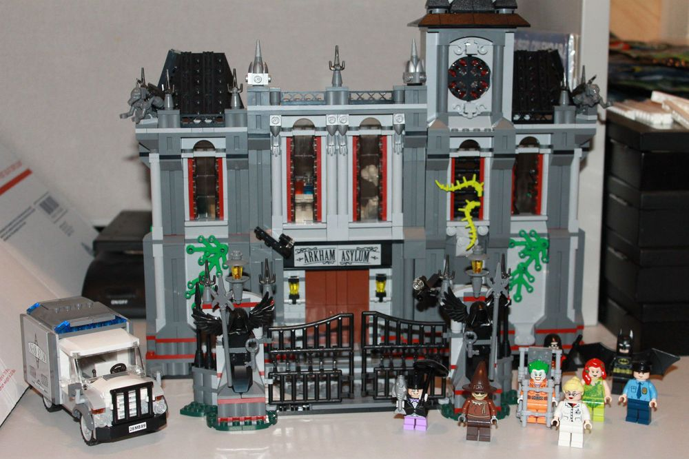 10937 Lego Batman Arkham Asylum Breakout With Minifigs No