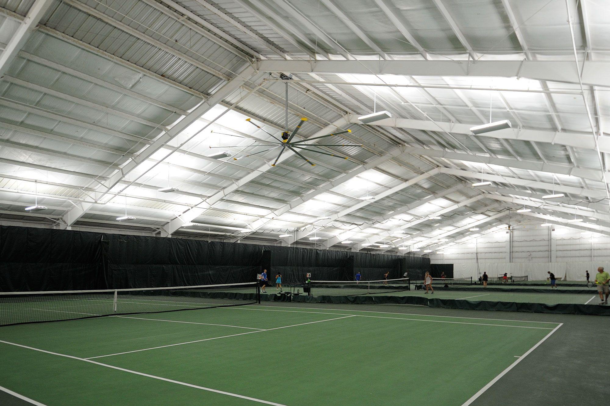 Lexington Tennis Club s spacious facilities – 15 courts spread